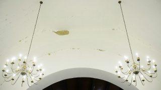 Cserhátsurány, 2014. január 20.Megrongálódott római katolikus templom Cserhátsurányban 2014. január 20-án. Földrengés volt január 19-én hajnalban a Nógrád megyei Cserhátsurány közelében. Az első rengés a Richter-féle skálán 4,4-es erejű volt, majd egy újabb, 3,4-es követte. A rengések következtében kisebb károk, repedések keletkeztek épületeken, személyi sérülés sehol sem történt.MTI Fotó: Komka Péter