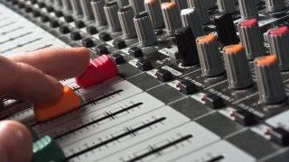 rádió keverőpult