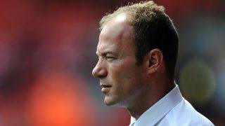 Newcastle United manager Alan Shearer watches his players warm up before taking on Liverpool during their English Premier League football match at Anfield in Liverpool, north-west England, on May 3, 2009. AFP PHOTO/PAUL ELLIS ----  FOR EDITORIAL USE ONLY Additional licence required for any commercial/promotional use or use on TV or internet (except identical online version of newspaper) of Premier League/Football League photos. Tel DataCo +44 207 2981656. Do not alter/modify photo. / AFP PHOTO / PAUL ELLIS