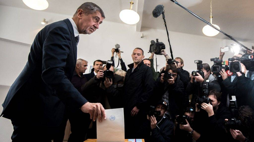 PRAGUE, CZECH REPUBLIC - OCTOBER 20 :  Andrej Babis (L) leader of the ANO movement, casts his ballot at a polling station during voting in the parliamentary elections in Prague, Czech Republic, 20 October 2017. The general elections in the Czech Republic will be held on 20 and 21 October 2017. Lukas Kabon / Anadolu Agency