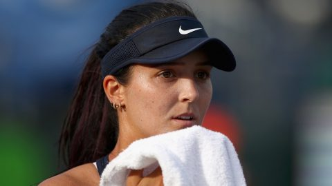 KEY BISCAYNE, FL - MARCH 22: Laura Robson of Great Britain shows her frustration during her first round match against Kirsten Flipkens of Belgium during the Miami Open Presented by Itau at Crandon Park Tennis Center at Crandon Park Tennis Center on March 22, 2016 in Key Biscayne, Florida.   Clive Brunskill/Getty Images/AFP