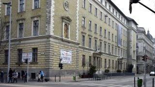 Budapest, 2017. február 19. A Szemere Bertalan Általános Iskola és Gimnázium épülete, az  V. kerület, Szemere utca 5-ben. MTVA/Bizományosi: Róka László  *************************** Kedves Felhasználó! Ez a fotó nem a Duna Médiaszolgáltató Zrt./MTI által készített és kiadott fényképfelvétel, így harmadik személy által támasztott bárminemû – különösen szerzõi jogi, szomszédos jogi és személyiségi jogi – igényért a fotó készítõje közvetlenül maga áll helyt, az MTVA felelõssége e körben kizárt.