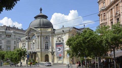 Budapest, 2015. június 20. A Vígszínház mûemlék épülete a fõváros XIII. kerületében, a Szent István körúton. MTVA/Bizományosi: Lehotka László  *************************** Kedves Felhasználó! Az Ön által most kiválasztott fénykép nem képezi az MTI fotókiadásának, valamint az MTVA fotóarchívumának szerves részét. A kép tartalmáért és a szövegért a fotó készítõje vállalja a felelõsséget.
