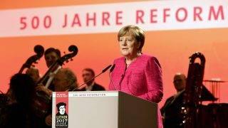Wittenberg, 2017. október 31. Angela Merkel német kancellár beszédet mond a wittenbergi városháza dísztermében tartott, a reformáció 500. évfordulója alkalmából rendezett német állami ünnepségen 2017. október 31-én. MTI Fotó: Szigetváry Zsolt