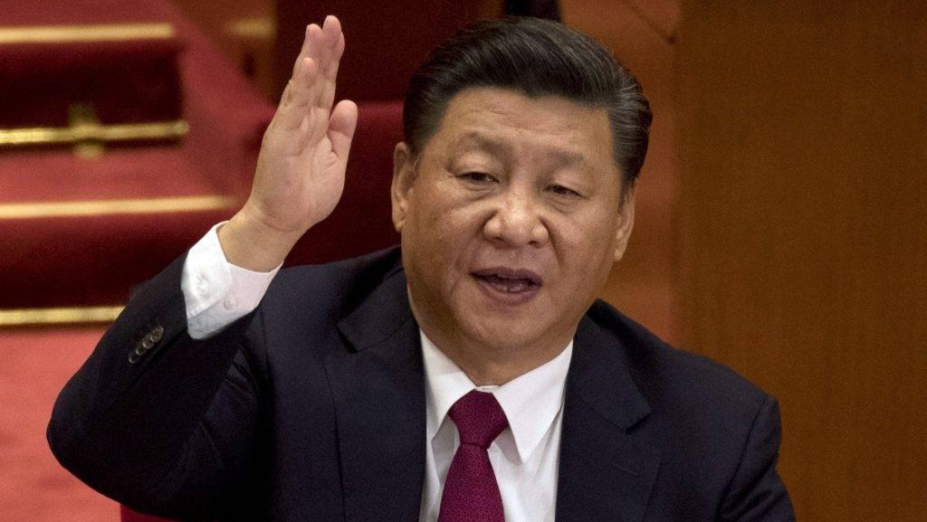 Peking, 2017. október 24. Hszi Csin-ping jelenlegi kínai elnök, a Kínai Kommunista Párt fõtitkára a KKP XIX. kongresszusának záróülésén a pekingi Nagy Népi Csarnokban 2017. október 24-én. (MTI/AP/Ng Han-kuan)