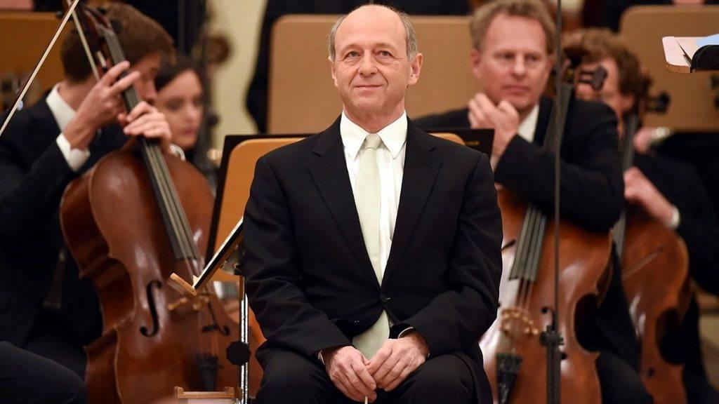 Berlin, 2016. október 31.Fischer Iván karmester a Konzerthaus zenekarával, a Konzerthausorchesterrel a zenekar berlini hangversenytermében 2016. október 31-én, a reformáció 500. évfordulóját felvezető, Luther 2017 címmel szervezett emlékév országos rendezvénysorozatának nyitányán. Luther 1517. október 31-én Albert mainzi érseknek címzett leveléhez csatolta a 95 tétel című munkáját, amit az egyházszakadáshoz vezető folyamat első mozzanataként tartanak számon. (MTI/EPA/Britta Pedersen)