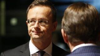 Brüsszel, 2017. október 16. Szijjártó Péter külgazdasági és külügyminiszter az Európai Unió külügyminisztereinek tanácskozásán Luxembourgban 2017. október 16-án. (MTI/EPA/Julien Warnand)