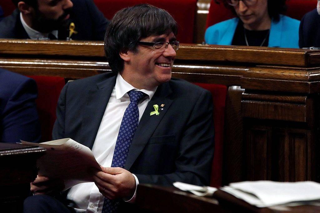 Barcelona, 2017. október 27.Carles Puigdemont katalán elnök a katalán parlament üléstermében Barcelonában 2017. október 27-én. A testület ülésén a függetlenségi nyilatkozat elfogadása is napirendre kerülhet. (MTI/EPA/Alberto Estevez)