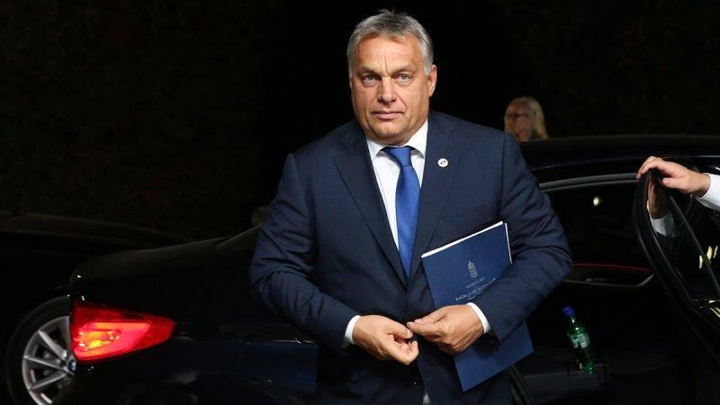 Tallinn, 2017. szeptember 28.Az Európai Tanács által közreadott képen Orbán Viktor miniszterelnök az Európai Unió tallinni csúcstalálkozójának díszvacsorájára érkezik 2017. szeptember 28-án. (MTI/Európai Tanács)