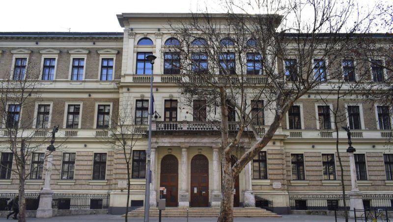 Budapest bd51e92700