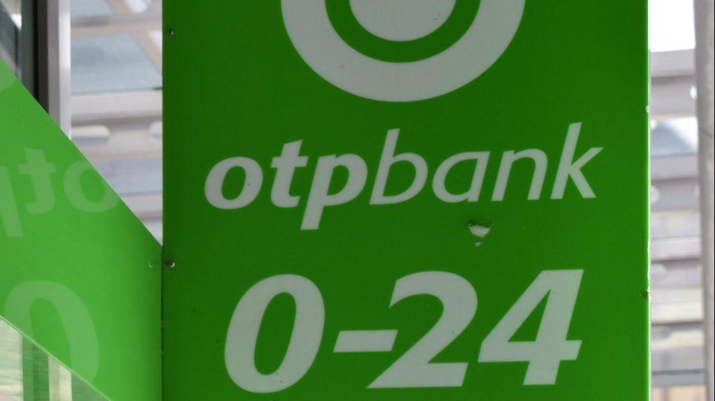 Budapest, 2017. augusztus 11. Az OTP Bank Kálvin téri fiókjának cégtáblája. MTVA/Bizományosi: Róka László  *************************** Kedves Felhasználó! Ez a fotó nem a Duna Médiaszolgáltató Zrt./MTI által készített és kiadott fényképfelvétel, így harmadik személy által támasztott bárminemû – különösen szerzõi jogi, szomszédos jogi és személyiségi jogi – igényért a fotó készítõje közvetlenül maga áll helyt, az MTVA felelõssége e körben kizárt.
