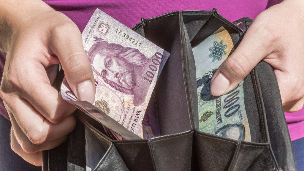 pénzt titkokat