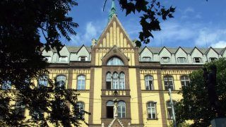Budapest, 2012. június 22. A Budai Irgalmasrendi Kórház XIX. századi épülete a fõváros II. kerületében, a Frankel Leó út 54-ben. A gyógyítómunkát és az épületet 2001-ben vette vissza az államtól a Betegápoló Irgalmasrend. MTVA/Bizományosi: Jászai Csaba  *************************** Kedves Felhasználó! Az Ön által most kiválasztott fénykép nem képezi az MTI fotókiadásának, valamint az MTVA fotóarchívumának szerves részét. A kép tartalmáért és a szövegért a fotó készítõje vállalja a felelõsséget.