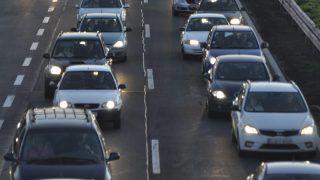 Budapest, 2015. április 3. Baleset miatt torlódik a forgalom az M3-as autópálya kifelé vezetõ oldalán, a Pest megyei szakaszon 2015. április 3-án. Hat jármû összeütközött az M3-as autópályán Gödöllõ térségében. MTI Fotó: Mihádák Zoltán