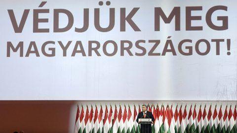 Budapest, 2017. november 12.Orbán Viktor miniszterelnök, a Fidesz újraválasztott elnöke felszólal a párt XXVII., tisztújító kongresszusán a budapesti Hungexpón 2017. november 12-én. Orbán Viktort egyhangúlag, 1358 szavazattal választották újra pártelnöknek.MTI Fotó: Koszticsák Szilárd