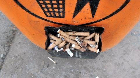 Főváros - Tilos lesz dohányozni a BKV-megállókban