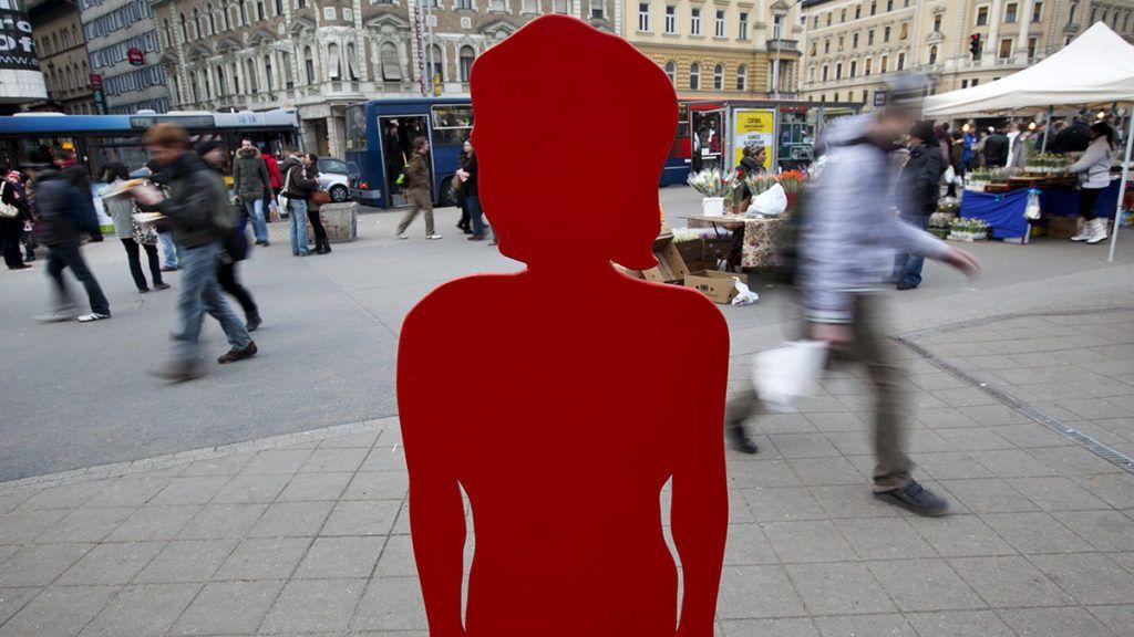 Budapest, 2012. március 8.A Nők a Nőkért Együtt az Erőszak Ellen (NANE) Egyesület nőnapi demonstrációja a Blaha Lujza téren.MTI Fotó: Mohai Balázs