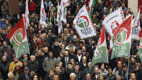 Budapest, 2016. október 23.Résztvevők a Jobbik '56-os megemlékezésén Budapesten, a Corvin közben az 1956-os forradalom és szabadságharc 60. évfordulóján, 2016. október 23-án.MTI Fotó: Mohai Balázs