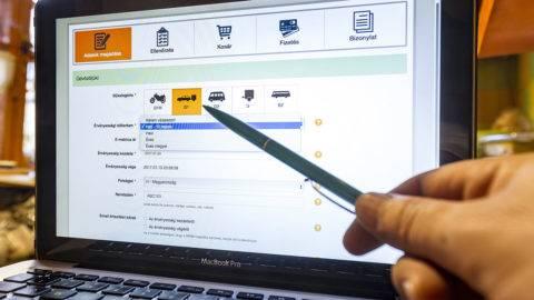 Budapest, 2017. január 5.Autópálya e-matrica vásárlása egy szolgáltató weboldalán 2017. január 5-én.MTI Fotó: Szigetváry Zsolt