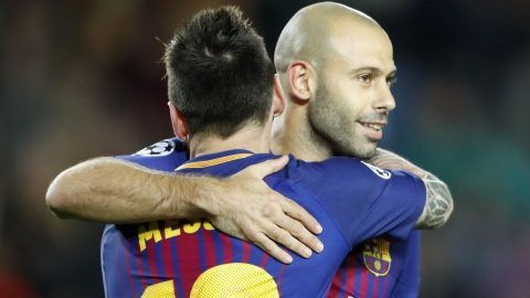 (L-R) Lionel Messi of FC Barcelona, Javier Mascherano of FC Barcelona during the UEFA Champions League group D match between FC Barcelona and Olympiacos on October 18, 2017  at the Camp Nou stadium in Barcelona, Spain.(Photo by VI Images via Getty Images)