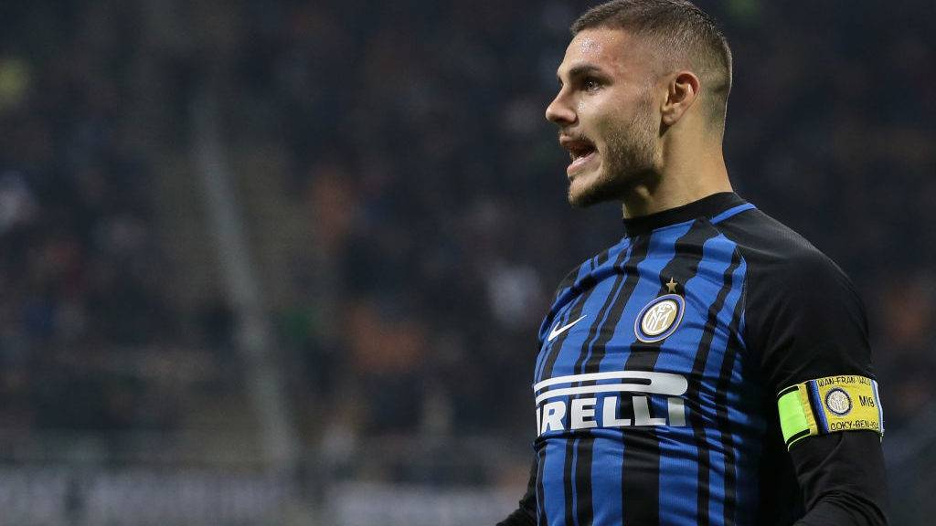 MILAN, ITALY - OCTOBER 24:  Mauro Emanuel Icardi of FC Internazionale Milano celebrates his goal during the Serie A match between FC Internazionale and UC Sampdoria at Stadio Giuseppe Meazza on October 24, 2017 in Milan, Italy.  (Photo by Emilio Andreoli/Getty Images)