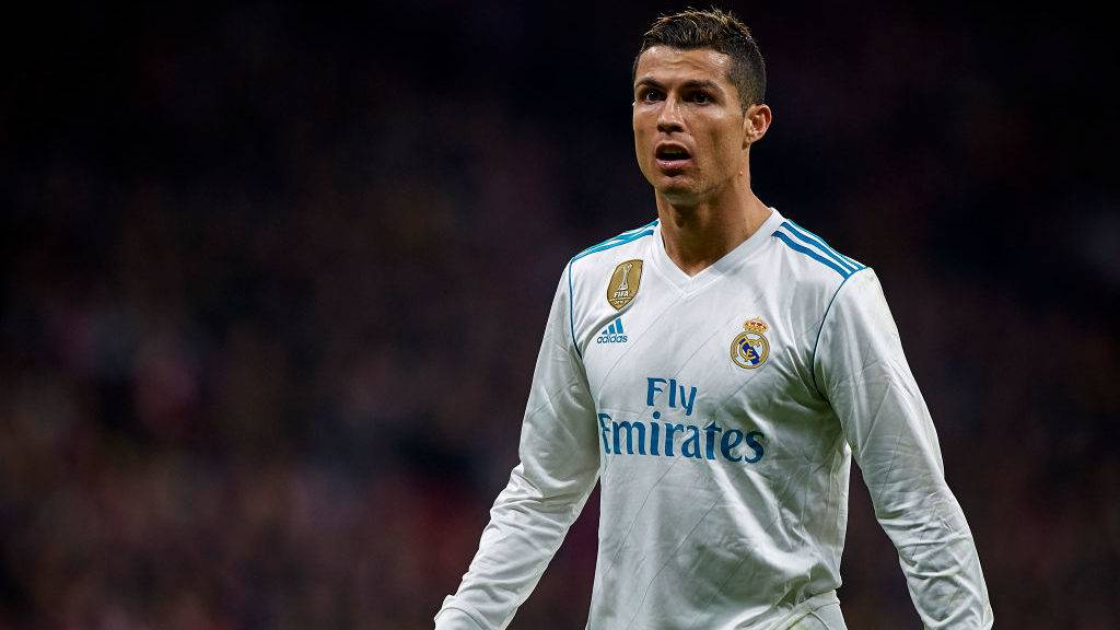 MADRID, SPAIN - NOVEMBER 18:  Cristiano Ronaldo (R) of Real Madrid looks on during the La Liga match between Atletico Madrid and Real Madrid at Wanda Metropolitano Stadium on November 18, 2017 in Madrid, Spain.  (Photo by fotopress/Getty Images)