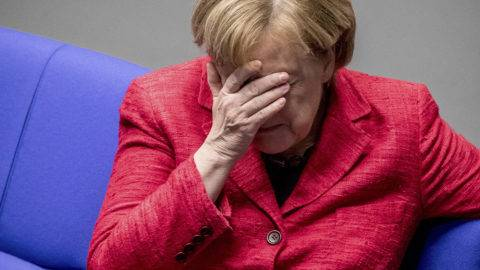 Berlin, 2017. november 21.Angela Merkel kancellár, a Kereszténydemokrata Unió (CDU) elnöke a parlament ülésén Berlinben 2017. november 21-én. (MTI/AP/DPA/Michael Kappeler)