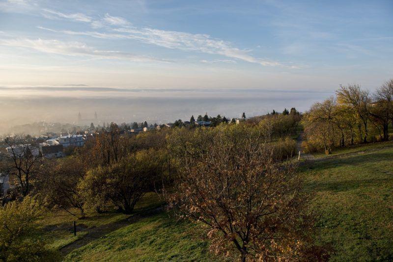 Pécs, 2017. november 25. Köd Pécs felett 2017. november 25-én. MTI Fotó: Sóki Tamás
