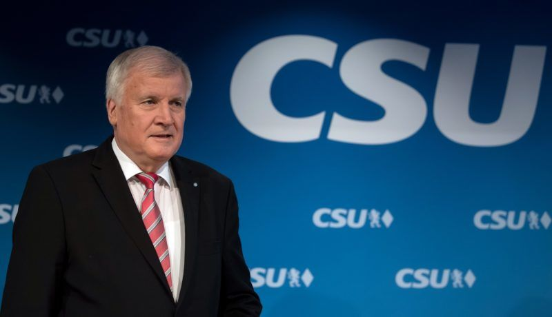 Bavarian Prime Minister Horst Seehofer arrives for a press conference after an executive board meeting of the Christian Social Union party at the headquarters in Munich, Germany, 4 December 2017. Photo: Sven Hoppe/dpa