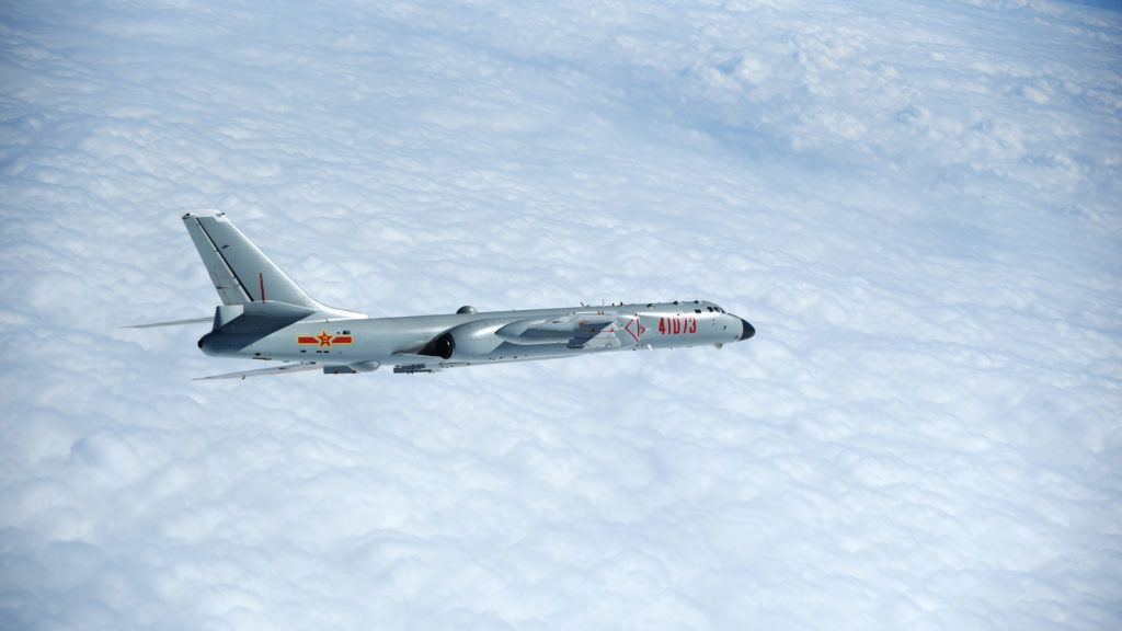 (171123) -- BEIJING, Nov. 23, 2017 (Xinhua) -- An H-6K bomber is seen conducting training exercises, Nov. 23, 2017. The PLA air force recently conducted a combat air patrol in the South China Sea and conducted training exercises after passing over the Bashi Channel and Miyako Strait. (Xinhua/Wang Guosong) (dhf)