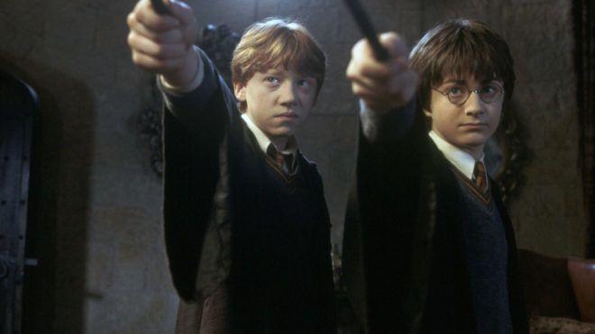 Harry Potter et la chambre des secrets Harry Potter and the chamber of the secrets 2002 réal : Chris Colombus Emma Watson Daniel Radcliffe Rupert Grint. Collection Christophel © warner Bros
