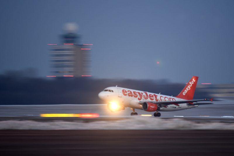 Budapest, 2017. január 19. A Liszt Ferenc-repülõtér irányítótornya 2017. január 18-án. A repülõtér irányítótornyából a HungaroControl területén kialakított új irányítóközpontba kerül át a repülõtéri forgalom irányítása, elsõ lépésként, 2017 áprilisától a vészhelyzeti irányítói funkció, majd várhatóan 2018 után már a teljes irányítás átkerül a toronyból a repülõtér szomszédságában lévõ épületbe. MTI Fotó: Kovács Tamás