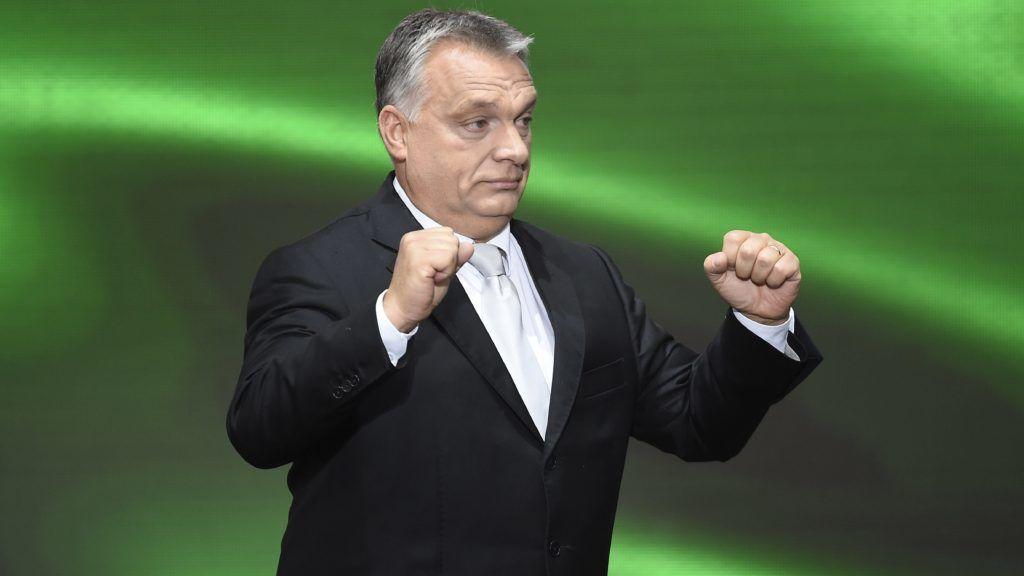 Budapest, 2017. október 23. Orbán Viktor miniszterelnök az 1956-os forradalom és szabadságharc emléknapján tartott állami ünnepségen a Terror Háza Múzeum elõtt 2017. október 23-án. MTI Fotó: Kovács Tamás