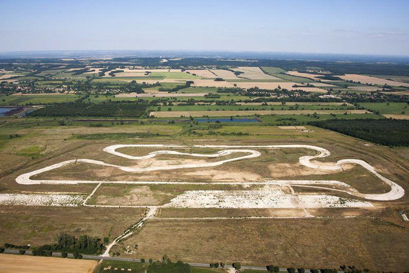Sávoly, 2013. július 21.Légi felvétel az üresen álló sávolyi MotoGp pályáról 2013. július 21-én.MTI Fotó: Varga György