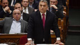 Budapest, 2017. december 11. Orbán Viktor miniszterelnök azonnali kérdésre válaszol az Országgyûlés plenáris ülésén 2017. december 11-én. MTI Fotó: Illyés Tibor