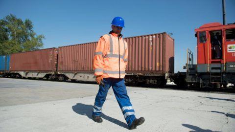 Budapest, 2017. április 21. A Kínából Budapestre érkezett elsõ áruszállító vonat a Mahart Container Centerében 2017. április 21-én. MTI Fotó: Koszticsák Szilárd