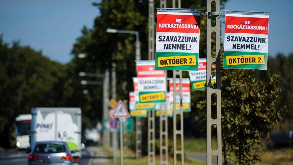 Kvótareferendum - Plakátok Mikepércsen