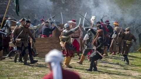 Szigetvár, 2017. szeptember 9.Katonai hagyományőrzők a szigetvári vár 1566-os ostromát felidéző hadijátékon a Szigetvári vár északi oldalán 2017. szeptember 9-én.MTI Fotó: Sóki Tamás