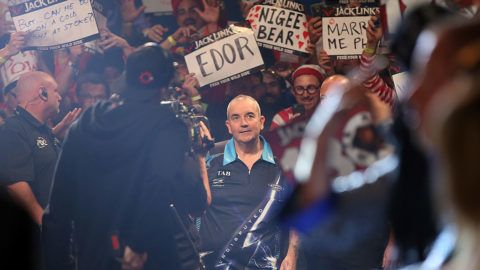 AUCKLAND, NEW ZEALAND - AUGUST 29:  Phil Taylor engages with his fans during the Auckland Darts Masters at The Trusts Arena on August 29, 2015 in Auckland, New Zealand.  (Photo by Michael Bradley/Getty Images)