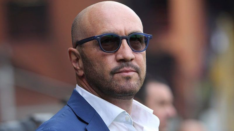 GENOA, ITALY - OCTOBER 25:  UC Sampdoria coach Walter Zenga looks on before the Serie A match between UC Sampdoria and Hellas Verona FC at Stadio Luigi Ferraris on October 25, 2015 in Genoa, Italy.  (Photo by Marco Luzzani/Getty Images)