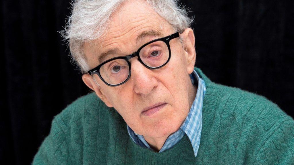 Woody Allen tagadja, hogy szexuálisan zaklatta a nevelt lányát