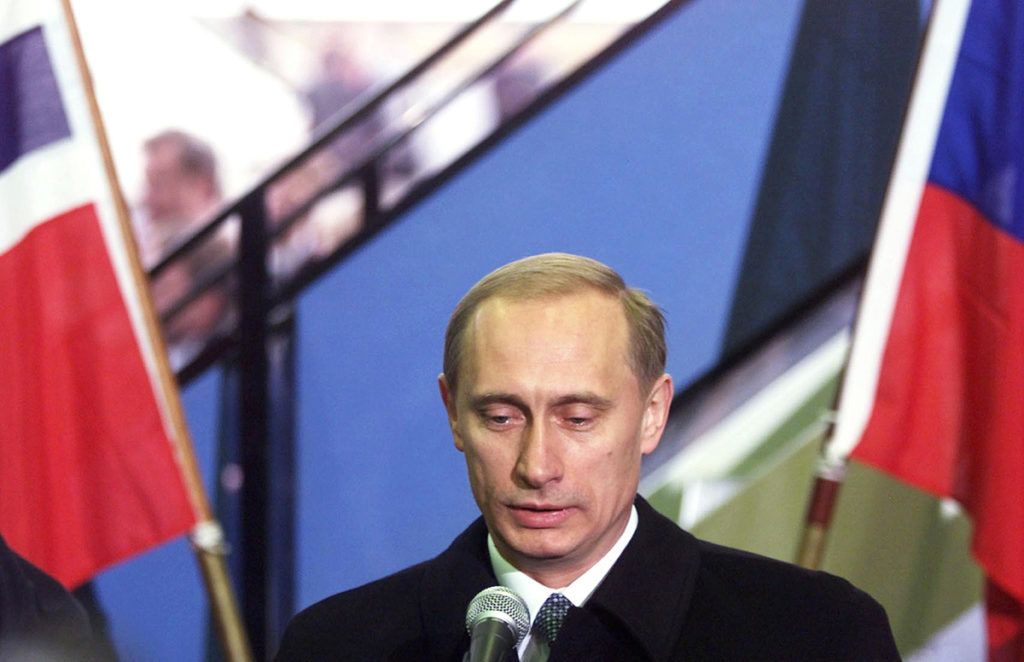 Russian Prime Minister Vladimir Putin gives a press conference upon his arrival at Gardermoen airport in Oslo 01 November 1999. Putin will attend a summit to relaunch the Middle East process. The summit is dedicated to the fourth anniversary of the death of former Israeli Prime Minister Yitzahk Rabin.      (ELECTRONIC IMAGE) / AFP PHOTO / SCANPIX / CORNELIUS POPPE