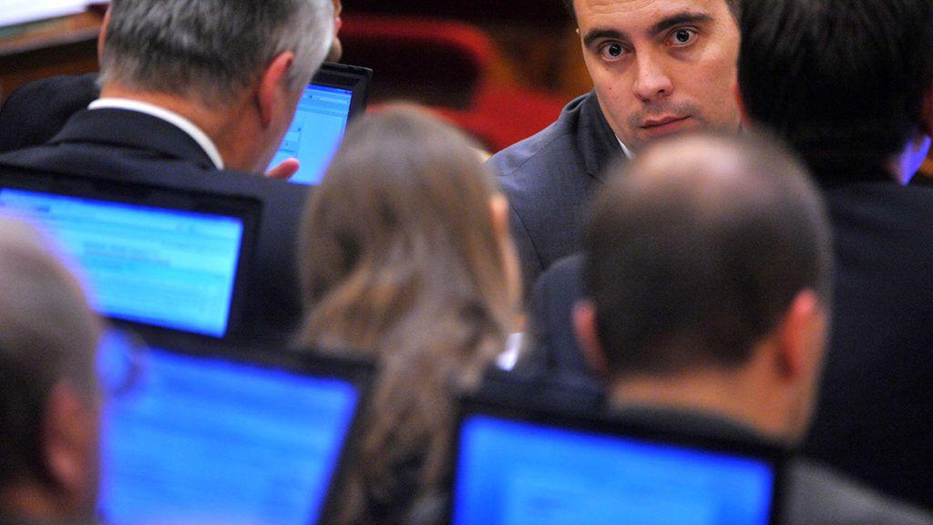 Budapest, 2010. december 13.Vona Gábor, a Jobbik frakcióvezetője részt vesz az Országgyűlés plenáris ülésén.MTI Fotó: Kovács Tamás