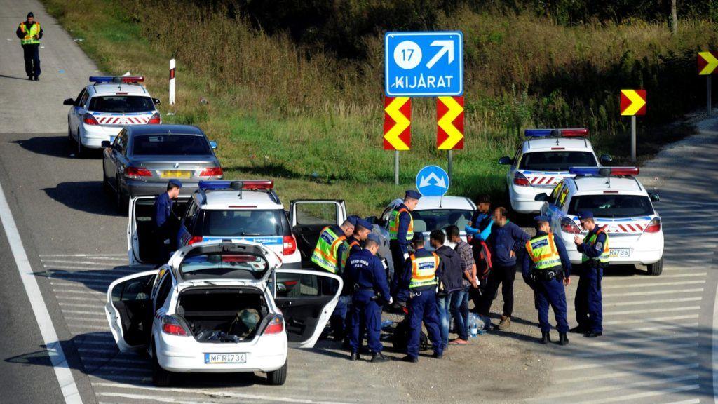 Fokozott rendőri ellenőrzés Budapest határában