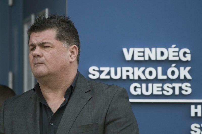 Szolnok, 2013. november 16. Nyerges Zsolt, a Szolnoki Olaj KK ügyvezetõ igazgatója a szolnoki Vízilabda Aréna átadó ünnepségén 2013. november 16-án. MTI Fotó: Koszticsák Szilárd