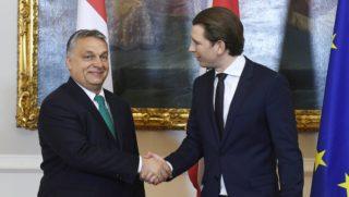 Bécs, 2018. január 30. Sebastian Kurz osztrák kancellár (j) fogadja Orbán Viktor miniszterelnököt a bécsi kancellárián 2018. január 30-án. MTI Fotó: Koszticsák Szilárd