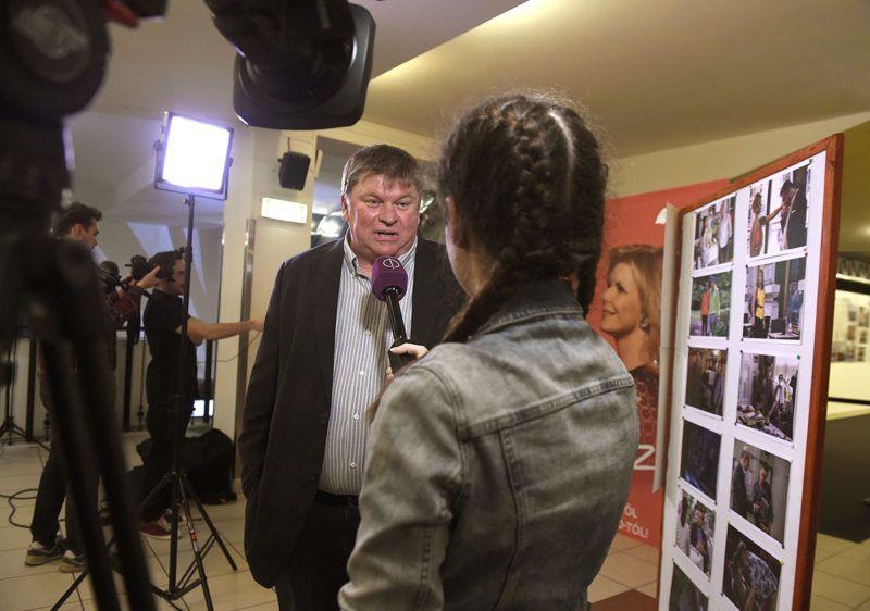 Budapest, 2017. február 20.Kálomista Gábor producer nyilatkozik a Csak színház és más semmi című tv sorozat 2. évadának VIP vetítése előtt a Corvin moziban 2017. február 20-án.MTI Fotó: Bruzák Noémi