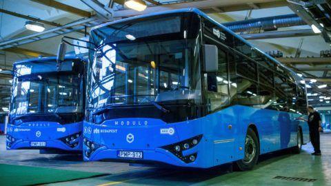 A metrópótláshoz hazai gyártású Ikarus buszokat kapott a BKV