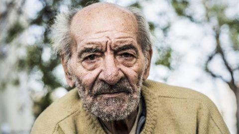 Budapest, 2018. január 11.A kombóképen egy hajléktalan férfi és lakhelye egy hajléktalanoknak fenntartott fővárosi egészségügyi intézményben Budapesten 2017. április 24-én.MTI Fotó: Mónus Márton