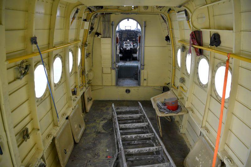 Kállósemjén, 2018. január 17.Egy ukrán lajstromjelű AN-2 típusú repülőgép Kállósemjén határában 2018. január 17-én. A repülőgépen 11 bevándorló jutott be Magyarország területére január 15-én este. A rendőrök jelentős erőkkel, nyomkövető kutyák és hőkamerák segítségével terepkutatást végeztek, majd rövid időn belül elfogtak három afgán és nyolc vietnami állampolgárt, akiket őrizetbe vettek.MTI Fotó: Czeglédi Zsolt